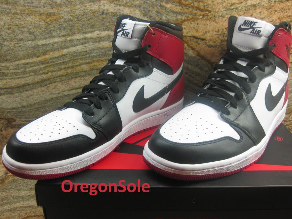 air-jordan-1-high-og-black-toe-3