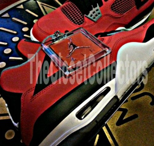 air-jordan-iv-4-fire-red-suede-new-images-2