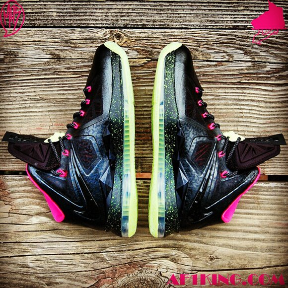 Custom Blink Yeezy Nike LeBron 10 Homme Project by GourmetKickz