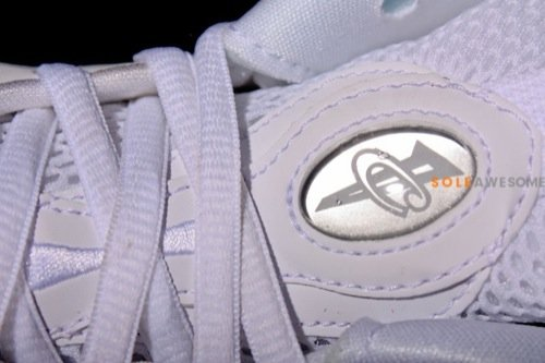 nike-air-foamposite-one-white-summit-white-detailed-images-9