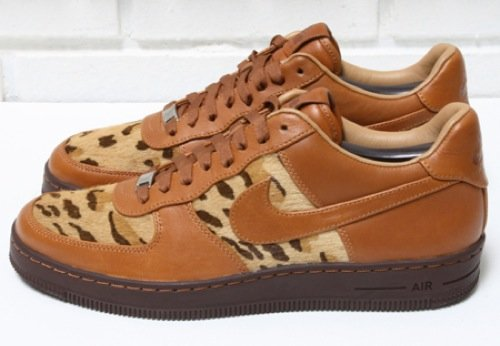 nike-air-force-1-downtown-leopard-3
