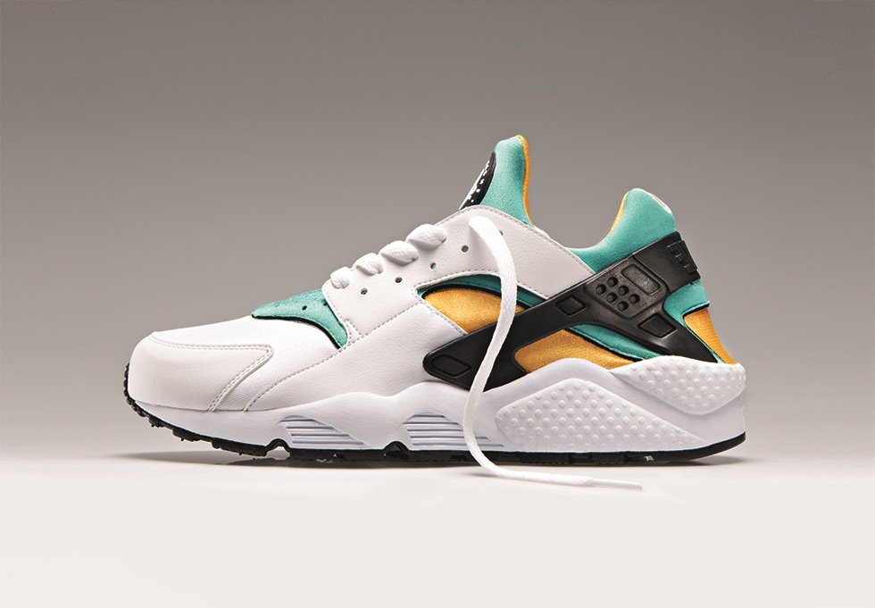 nike-air-huarache-og-white-sport-turquoise-university-gold-1