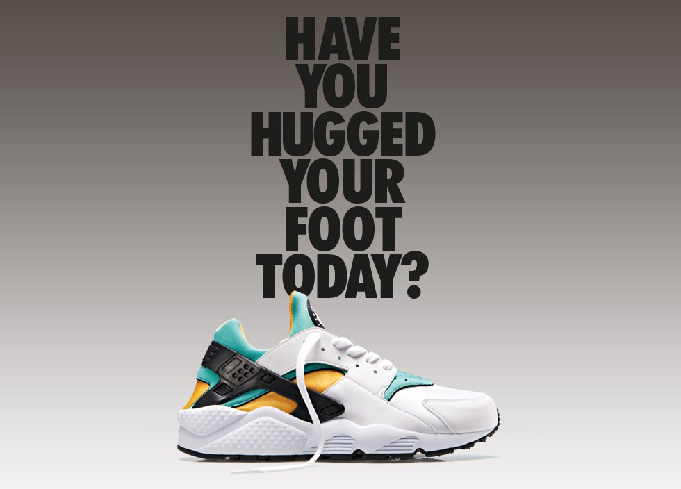 nike-air-huarache-og-white-sport-turquoise-university-gold-2
