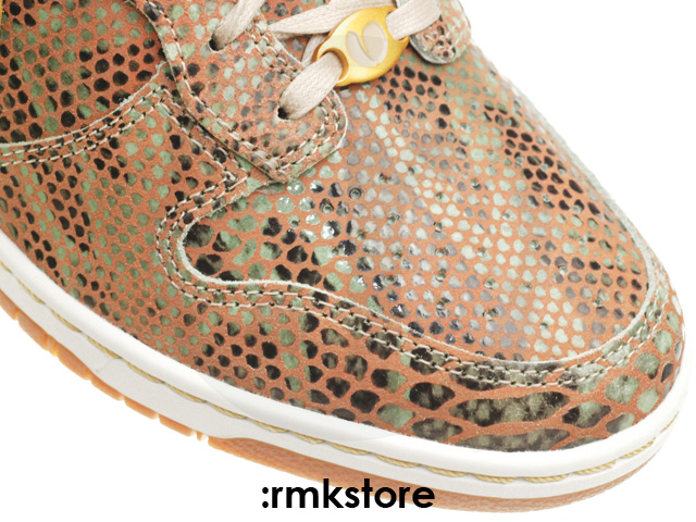 nike-wmns-dunk-sky-high-year-of-the-snake-5