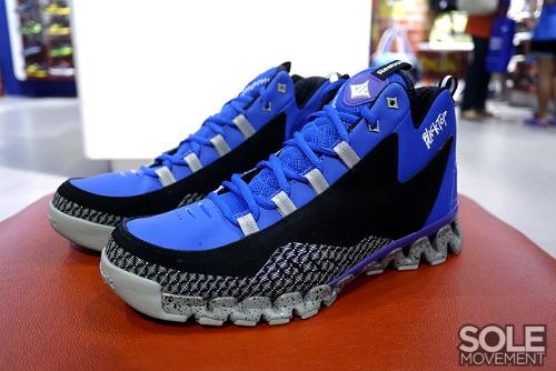 reebok zig escape blacktop edition sneakerfiles