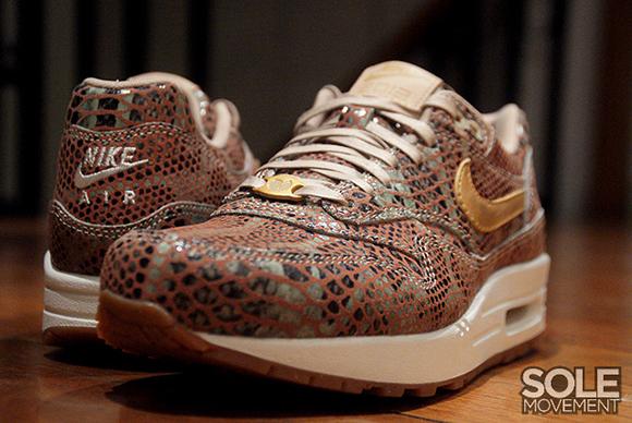 Womens Nike Air Max 1 -YOTS QS