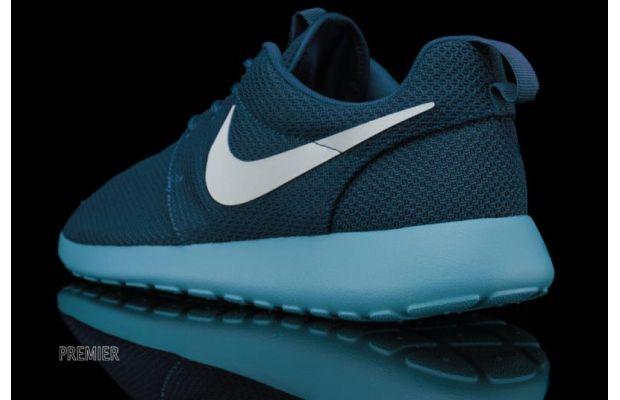Nike Roshe Run Squadron Blue 3