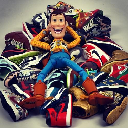 Santlov Sneakerhead x Toy Art