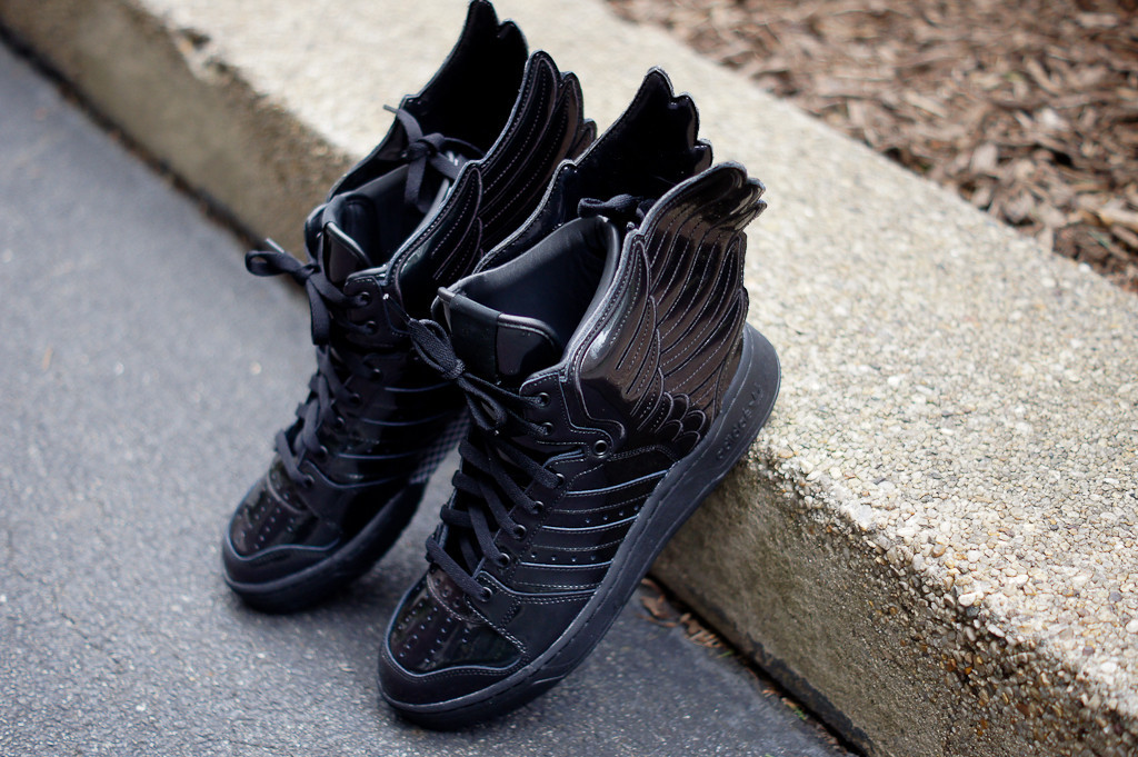 adidas-originals-by-jeremy-scott-js-wings-metallic-black-now-available-3
