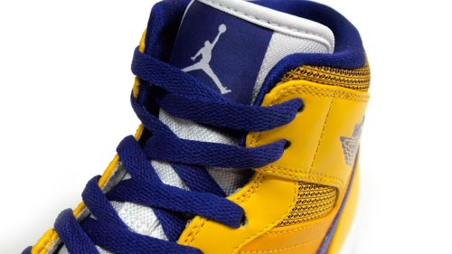 air-jordan-1-mid-lakers-6