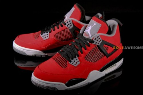 air-jordan-iv-4-fire-red-nubuck-new-detailed-images-1
