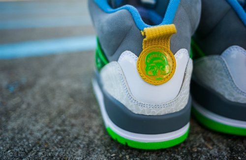 jordan-spizike-stealth-poison-green-university-blue-blitz-blue-vivid-sulpher-another-look-2
