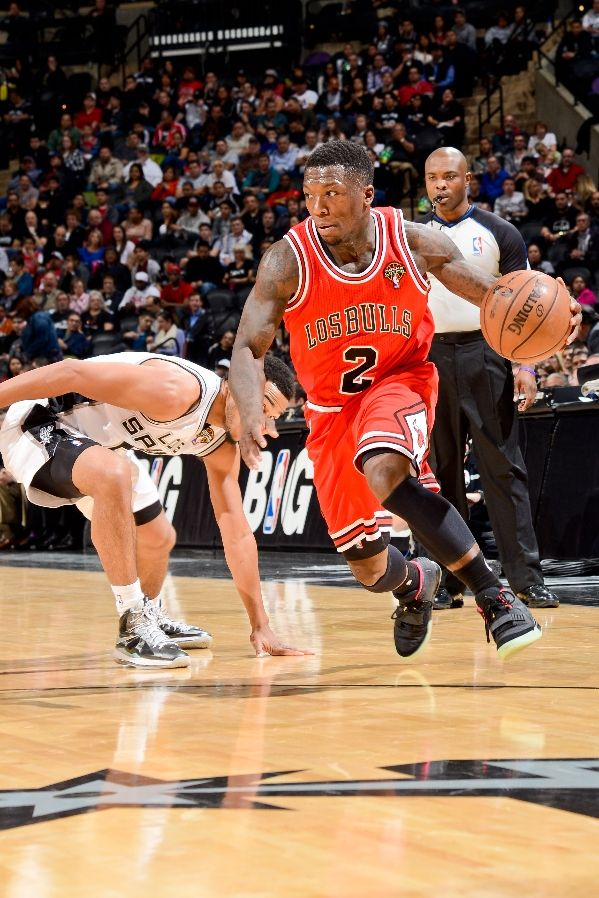 nate-robinson-hoops-in-nike-air-yeezy-2-1