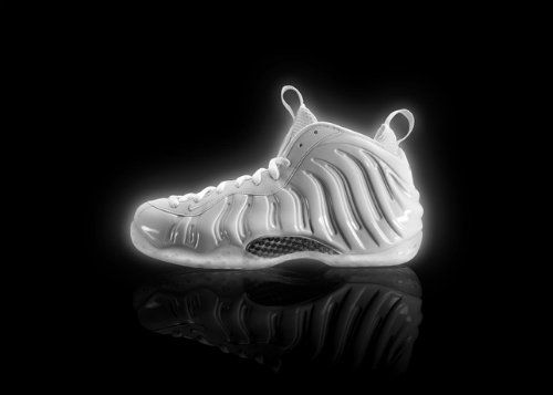 nike-air-foamposite-one-white-metallic-silver-official-images-1