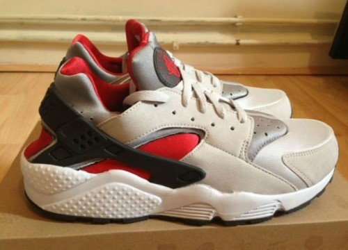 nike-air-huarache-neutral-grey-university-red-white-2
