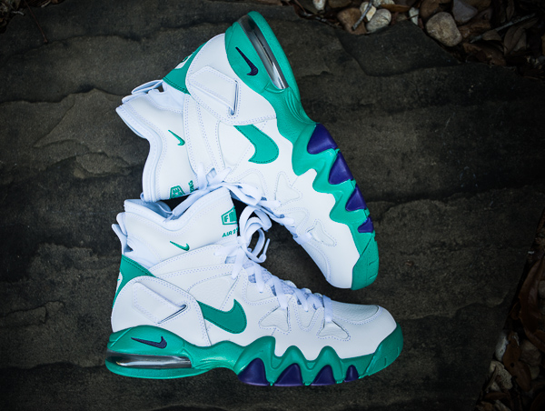 nike-air-max-2-strong-white-violet-force-atomic-teal-new-images-1