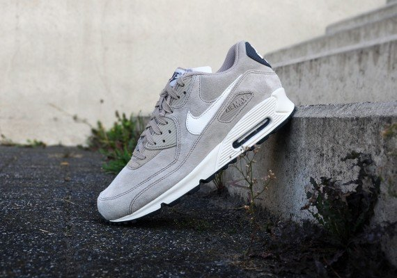 best website 941a6 4e5c6 nike-air-max-90-essential-suede-pack-classic-