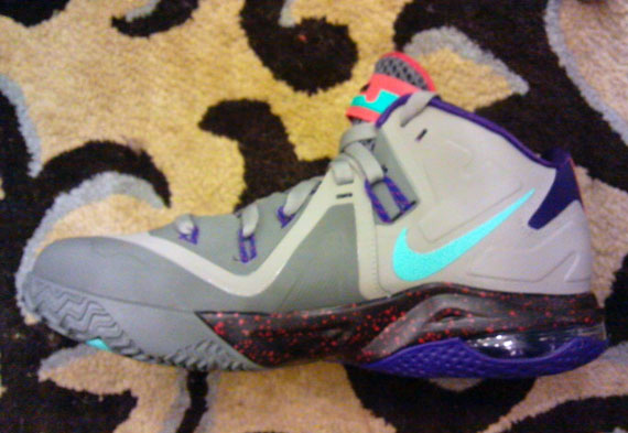 nike-air-max-lebron-ambassador-vi-6-first-look-2