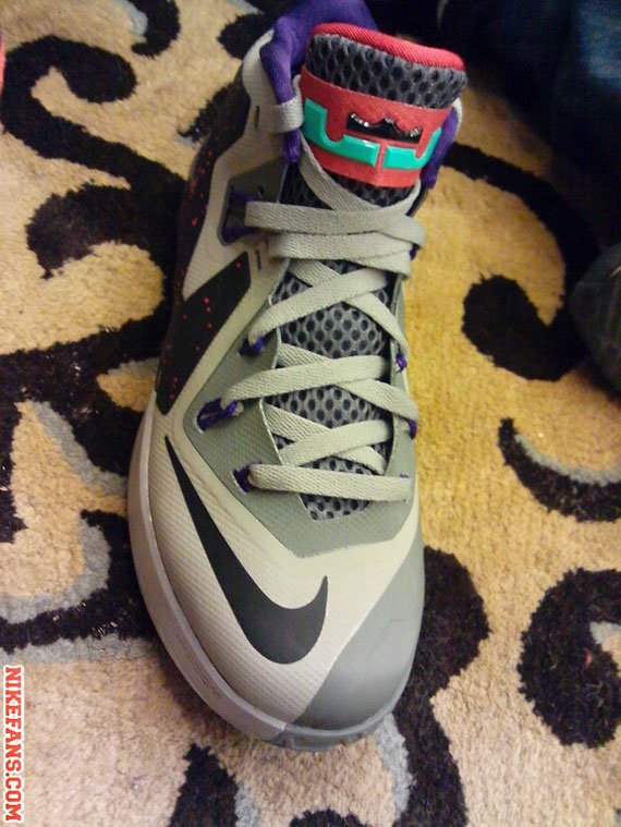 nike-air-max-lebron-ambassador-vi-6-first-look-3
