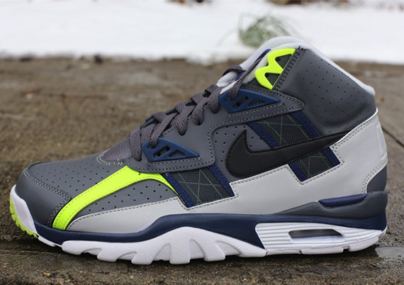 nike-air-trainer-sc-high-dark-grey-black-midnight-navy-neutral-grey-volt-1