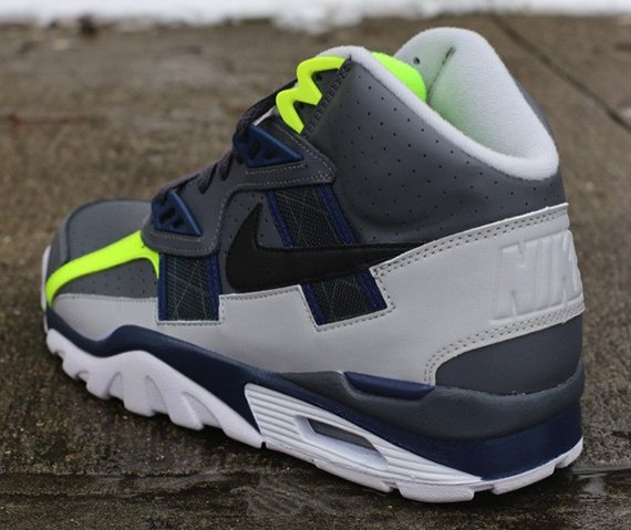 nike-air-trainer-sc-high-dark-grey-black-midnight-navy-neutral-grey-volt-3