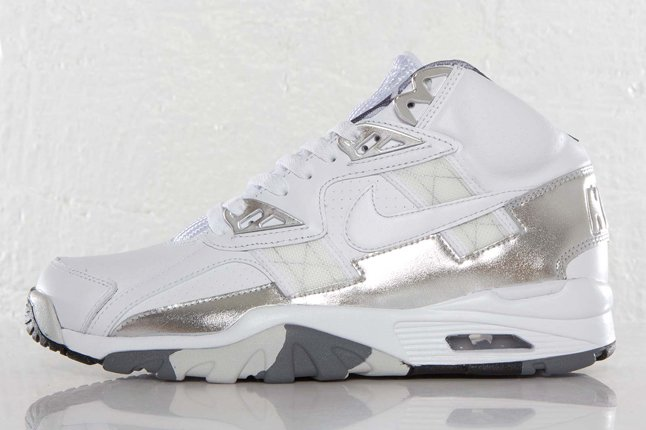 nike-air-trainer-sc-high-superbowl-trophy-qs-1