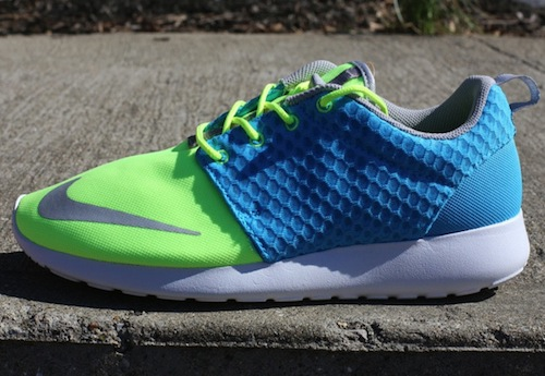 nike-roshe-run-fb-current-blue-chrome-lime-2