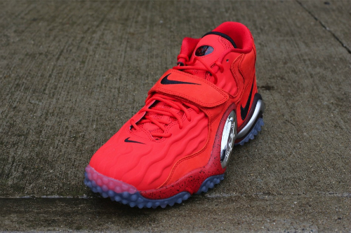 nike-zoom-turf-jet-challenge-red-at-oneness-2