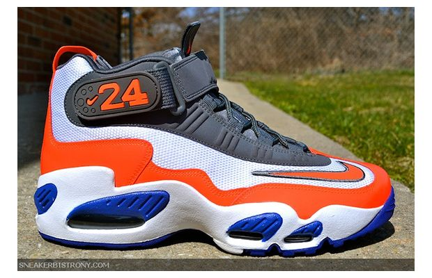 Nike Air Griffey Max 1 White Total Crimson Hyper Blue