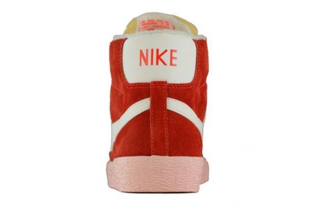 Nike Blazer Vintage Total Crimson Sail 2