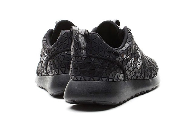 Nike Roshe Run Metric Black 2