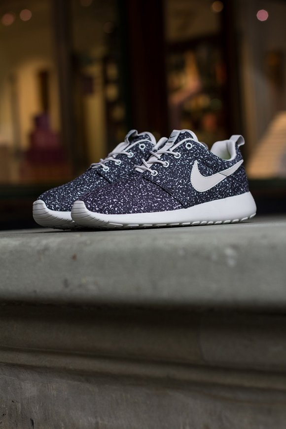 Nike WMNS Roshe Run Gamma Grey 2