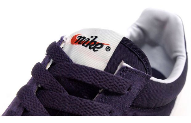 Nike Waffle Racer Vintage Purple White 2