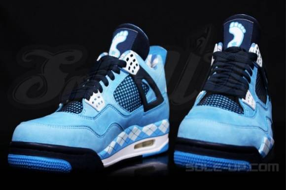 Air Jordan 4 UNC PE Detailed Images