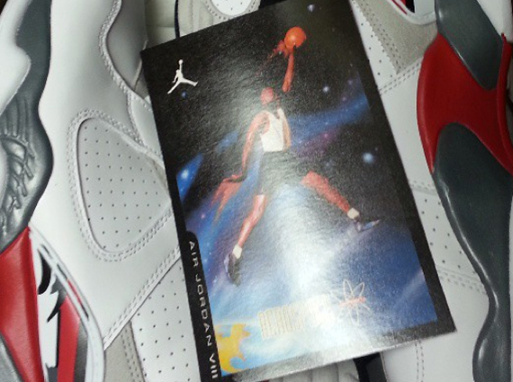 Air Jordan VIII Bugs to Include Retro Card