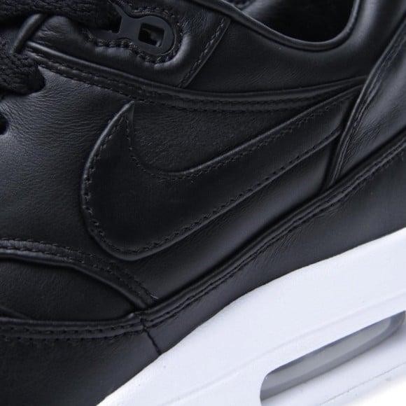 newest c652a c281a Black Leather Nike Air Maxim 1 SP