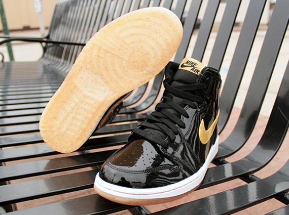 Black Metallic Gold Air Jordan 1