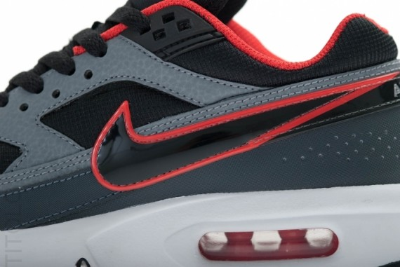nike-air-classic-bw-gs-black-anthracite-cool-grey-2