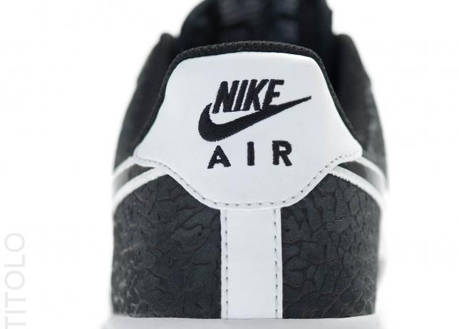 nike-air-force-1-low-black-black-white-4