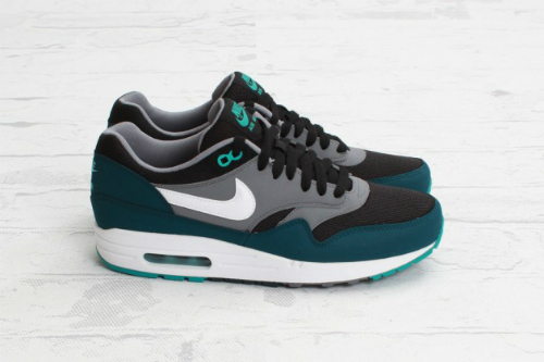 nike-air-max-1-essential-black-mid-turquoise-2