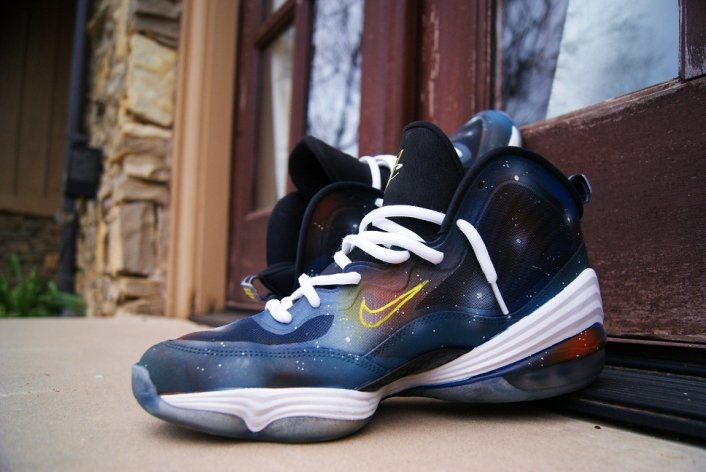 nike-air-penny-v-5-nasa-custom-2
