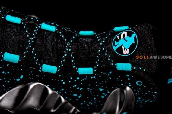 nike-barkley-posite-max-pure-platinum-black-cyber-blue-9