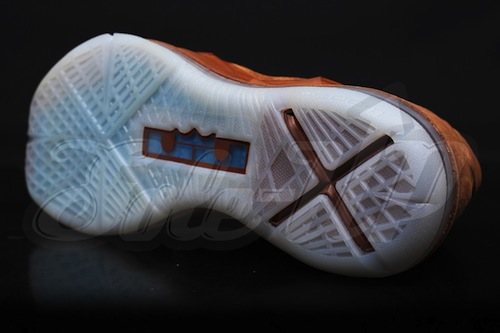 nike-lebron-x-ext-brown-suede-hazelnut-new-images-6