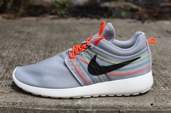 nike-roshe-run-dynamic-flywire-qs-strata-grey-black-total-crimson-cool-grey-1