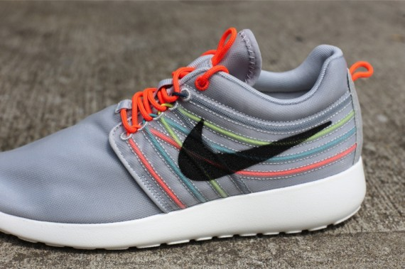nike-roshe-run-dynamic-flywire-qs-strata-grey-black-total-crimson-cool-grey-3