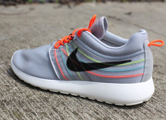 nike-roshe-run-dynamic-flywire-qs-strata-grey-black-total-crimson-cool-grey-4