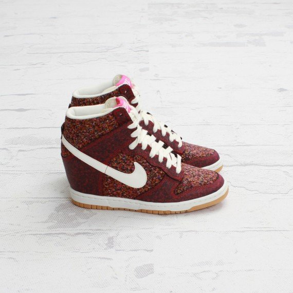 Now Available Liberty x Nike WMNS Dunk Sky High Pink Force