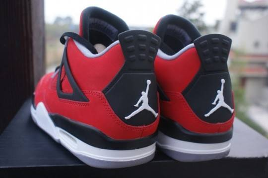 Release Update Air Jordan IV 4 Fire Red