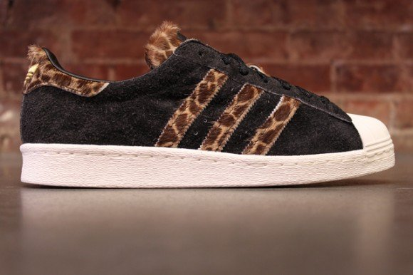 xlarge-adidas-originals-superstar-80s-giraffe