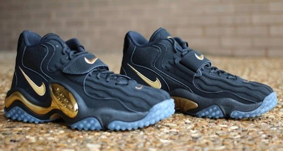 nike zoom turf jet 97 black and gold